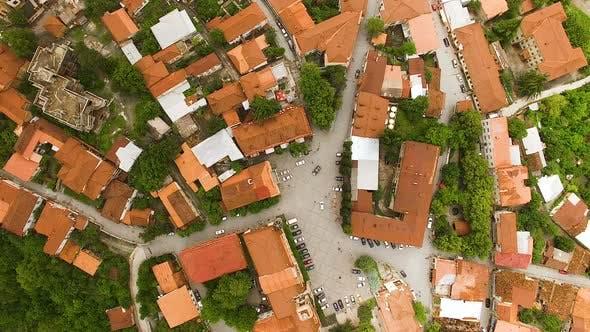 Thumbnail for Berühmter Hauptplatz von David in der kleinsten Stadt in Georgien, Luftansicht, Reisen