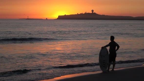 Thumbnail for Surfer