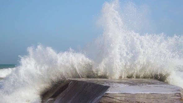 Stormy Waves of Ocean