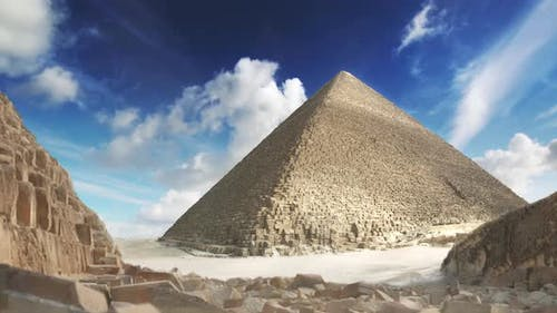 Pyramid in the Sand Storm 21