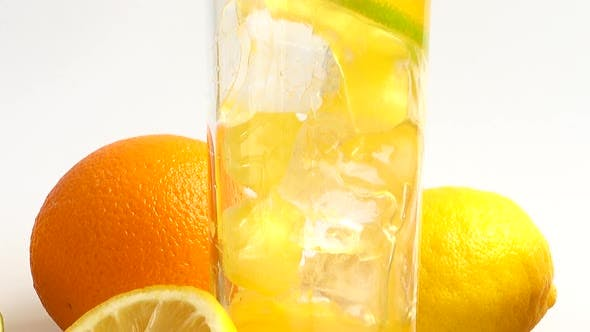 Preparation of Lemonade with Ice and Lime