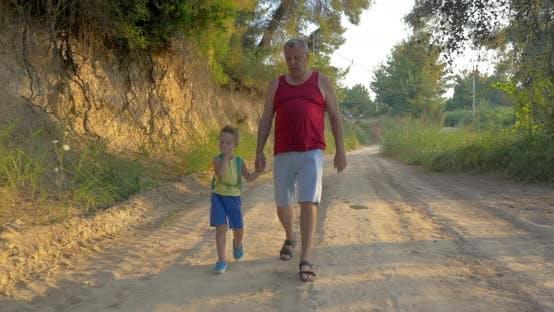 Wandern mit Großvater