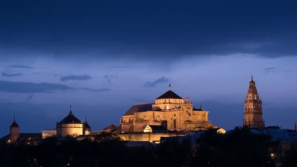 Cover Image for Timelapse of the Mosque-Cathedral at dusk