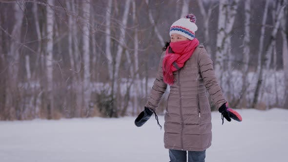 Thumbnail for Asian Woman Freezing On Cold Day