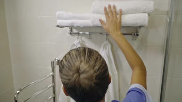 Thumbnail for Hotel Housemaid with Clean Towels