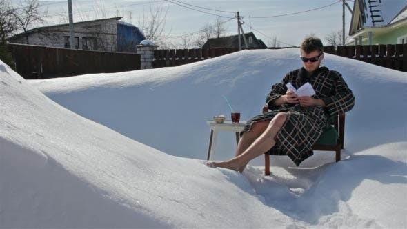 Extreme Relaxing in the Snow