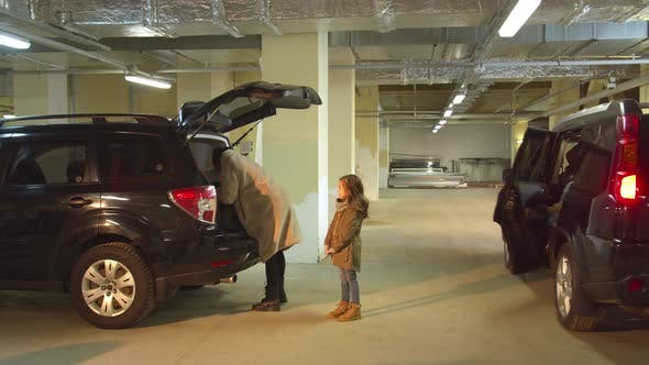 Abduction of a Girl in a Parking Lot While Mom Was Busy