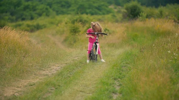 Cover Image for Girl Riding a Bike