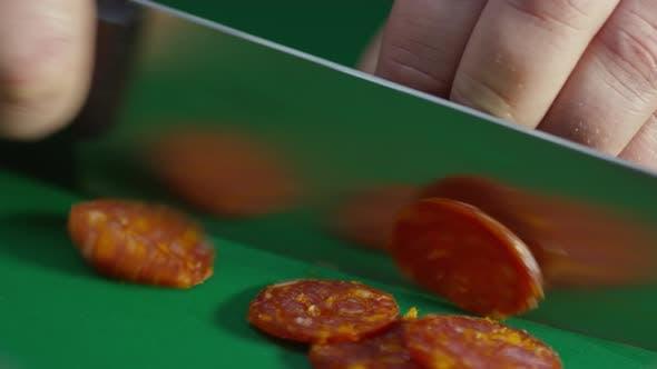 Thumbnail for Pepperoni Stick in Scheiben schneiden