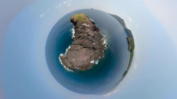 Thumbnail for Kleine Insel im Ozean