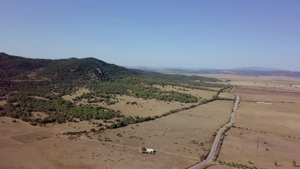 Abgelegenes Gebiet mit Industrieplantagen