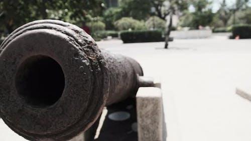 Kanonen auf dem Waterfront Cannon Barrel in Stone Town Zanzibar Tansania