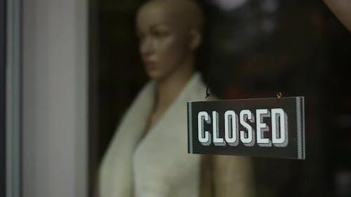 Closed Signboard
