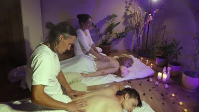 Couple massage.