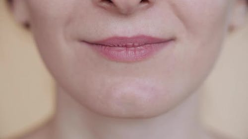 Lächelnder Mund in Nahaufnahme