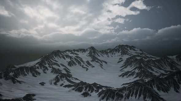 Cover Image for High Altitude Peaks and Clouds