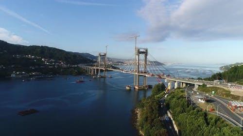 Luftaufnahmen von Brückenwartung