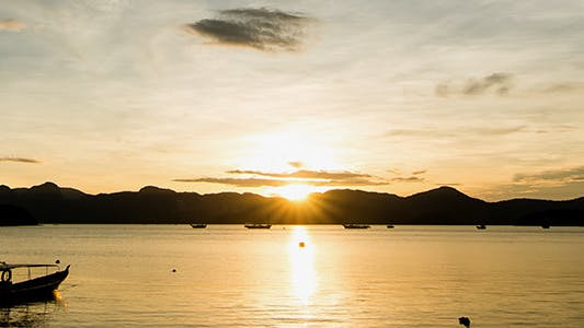 Cover Image for Zooming In Langkawi Island Sunrise Time Lapse