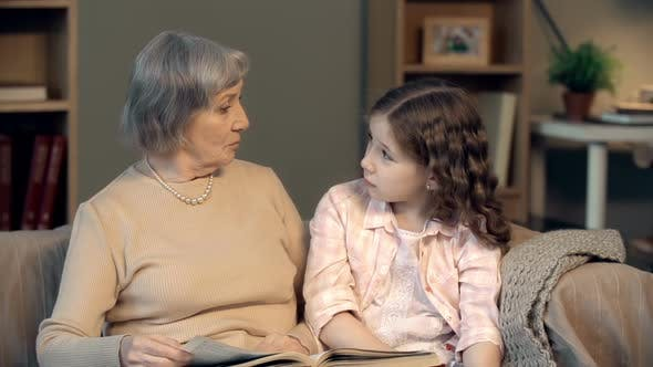Cover Image for Discussing a Story with Grandma