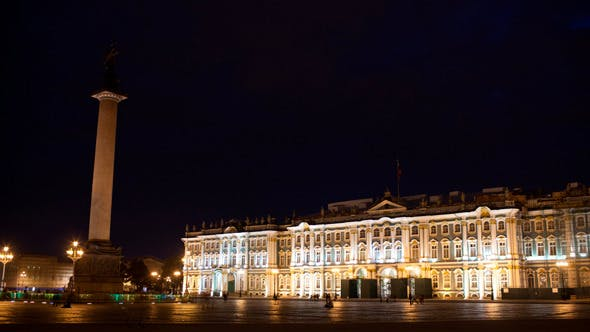 Thumbnail for 4K Time Lapse   People Walking On Palace Square