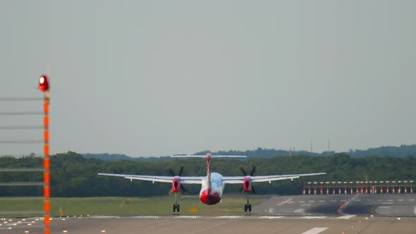 Thumbnail for Turboprop Airplane Landing
