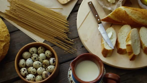 Thumbnail for Frisches Essen auf Holztisch