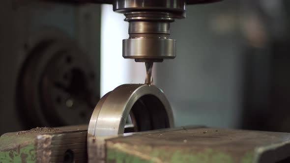 Machining a Part with a Drill Cutter.