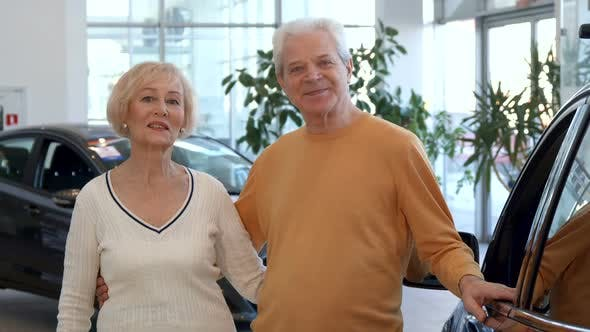 Thumbnail for Senior Couple Buys the Car at the Dealership