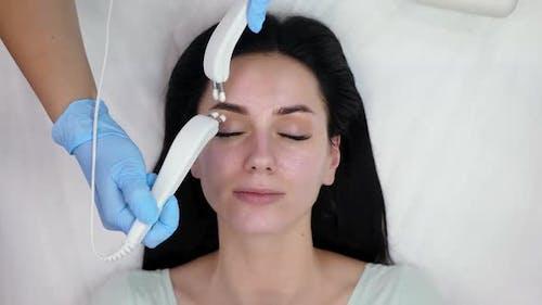 Cosmetic Procedure Microcurrents