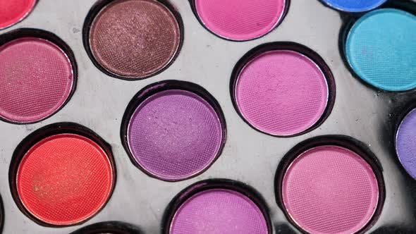 Taking Color From Professional Makeup Eyeshadows Palette for Makeup Artist