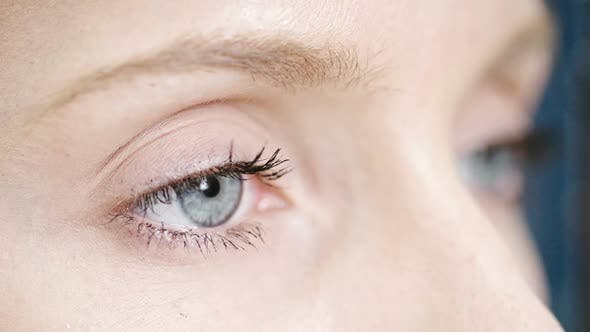 Cover Image for Woman Having Her Eyes Examined