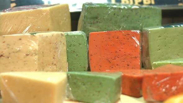 Thumbnail for Käse auf Regal im Supermarkt