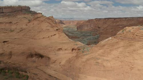 Slow rise revealing Canyon de Chelly National Monument