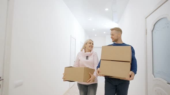 Cover Image for Charming Lovely Real Couple Is Carrying To Move in New Big Bright Home