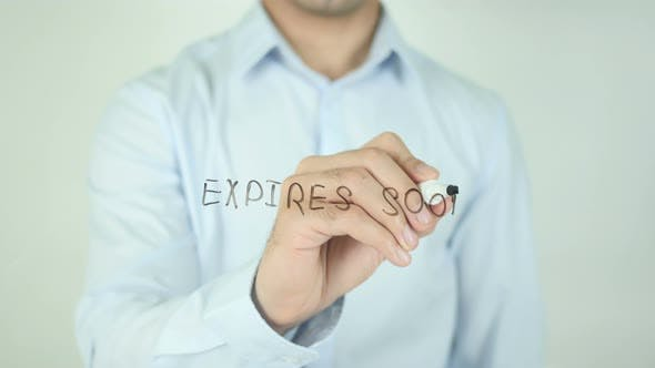 Cover Image for Expires Soon !, Writing On Screen