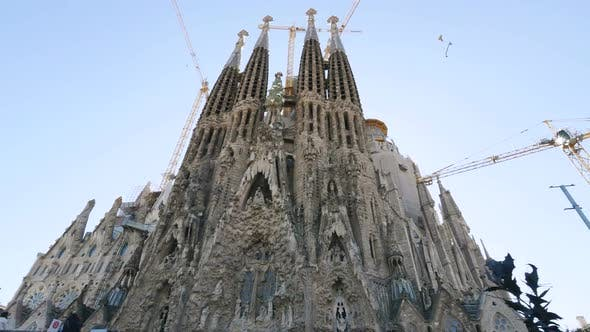 La Sagrada Familia Antoni Gaudi Barcelona Camera Car