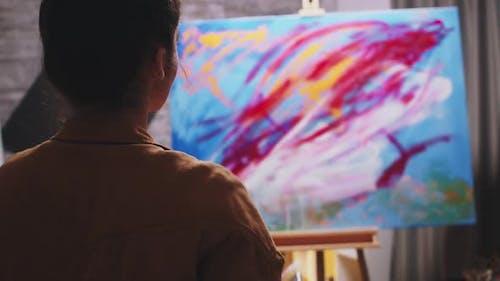 Kreativer zeitgenössischer Maler