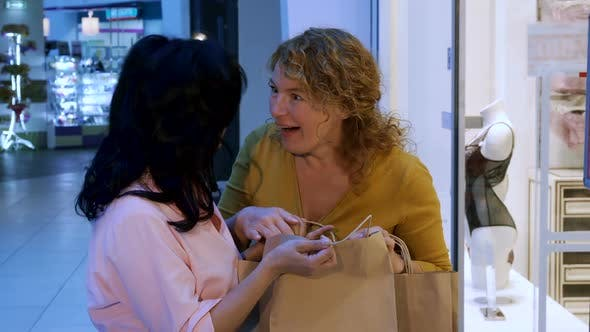 Cover Image for Woman Suprises Her Friend By Her Purchases