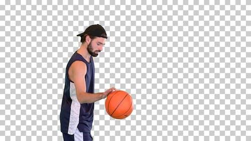Basketballspieler, der den Ball danach wirft, Alpha Channel