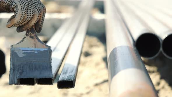 Lackierung von Metallstrukturen mit Korrosionsschutzfarbe