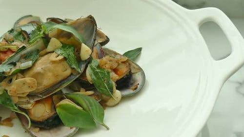 Fried Mussel with sauce