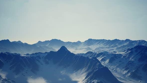 Thumbnail for Schneebedeckte schöne Berggipfel