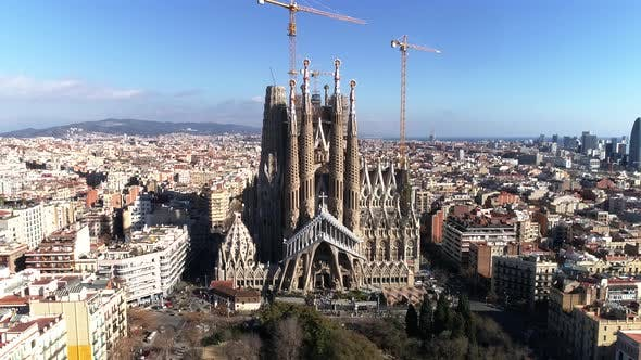 Thumbnail for Sagrada Familia Cathedral in Barcelona, Spain