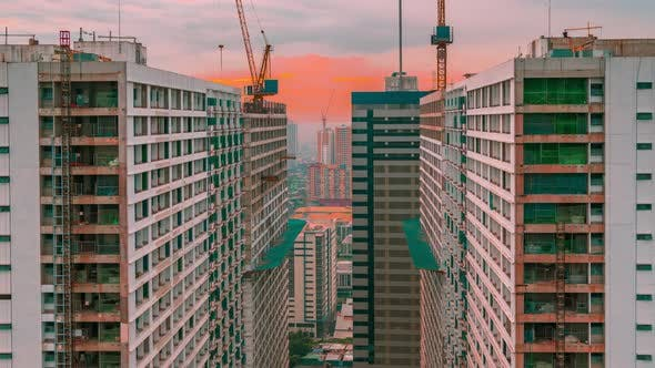 Cover Image for Skyscrapers under Construction on China Has a Booming Skyscraper Industry