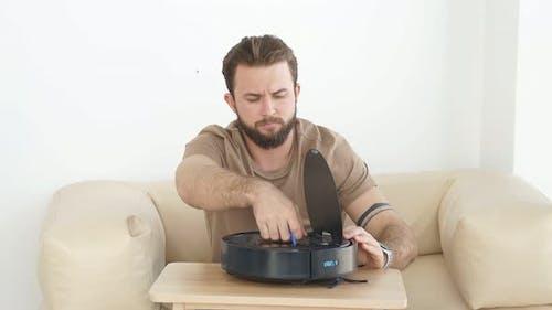 Human Opening Robotic Vacuum Cleaner
