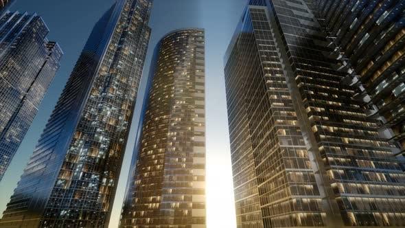 Stadt Wolkenkratzer bei Nacht mit dunklem Himmel