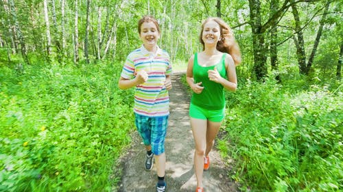 Young People to Adopt Healthy Lifestyles
