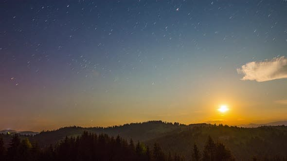 Cover Image for Moon Rise and Stars Time Lapse in Mountains