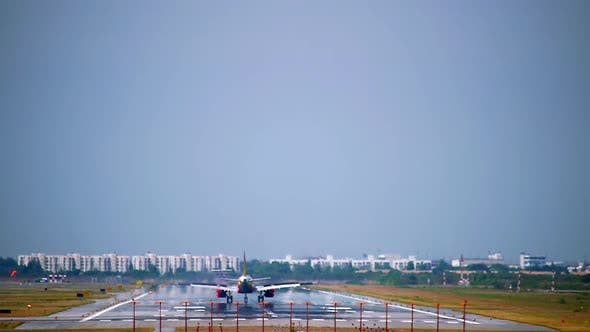 Thumbnail for Airliner On A Final Approaching Landing 06