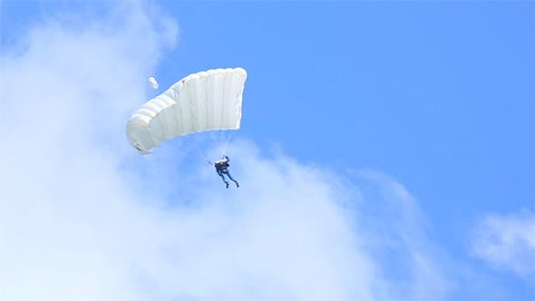 Thumbnail for Paraglider